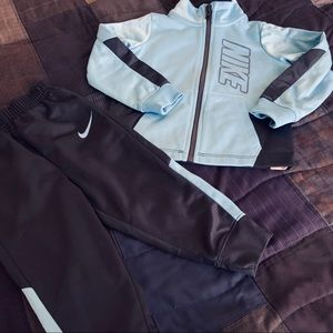 NWOT Nike Tracksuit Outfit